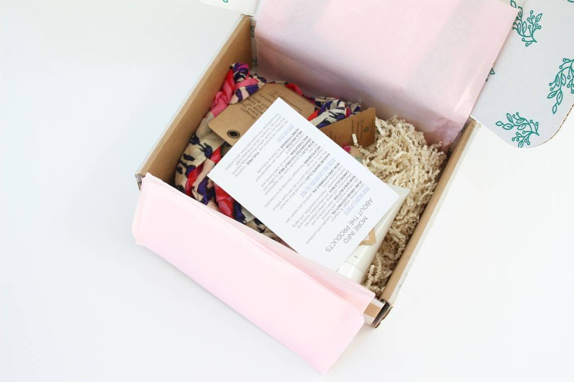 luxily-boutique-box-review-october-2016-4